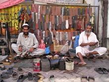 islamabad - obuvnici na ulici